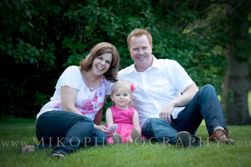 miko-photography-calgary-family-child-portrait-on-location (3)